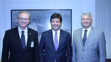 Cecchini Mandetta e Santos trataram das diretrizes da gestão 390x220 - Ministro da Saúde visita o Grupo Hospitalar Conceição
