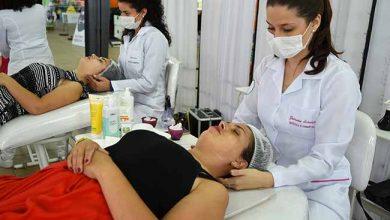 Cuidados com a pele na Feevale 390x220 - Feevale leva serviços de saúde para a Festa da Vida de Campo Bom