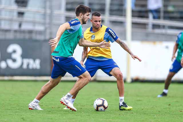 Grêmio treina e embarca para o Paraguai 2 - Grêmio treina e embarca para o Paraguai