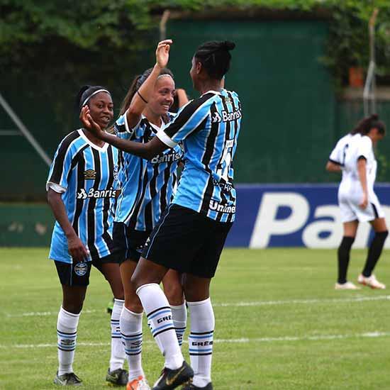Grêmio vence o Moreninhas por 7 a 0 3 - Gurias Gremistas vencem e lideram o grupo 4 do Brasileiro Feminino A2