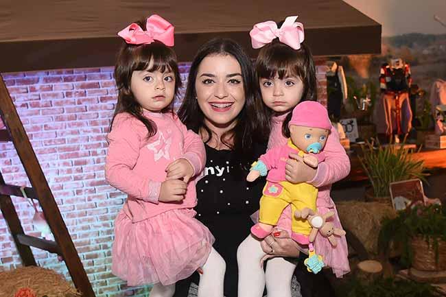 Jessica Rossi E Mell E Anne 094 - Chicco reúne grávidas famosas em evento