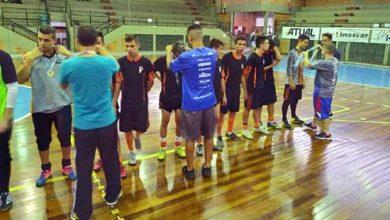 Jogos ocorrem no ginásio Agostinho Cavasotto 390x220 - Handebol e Futsal agitam a Olimpíada Escolar