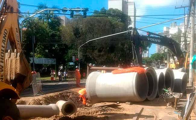 Obras estão na Bento Gonçalves em Novo Hamburgo - Obras estão na Bento Gonçalves esquina com a Joaquim Nabuco
