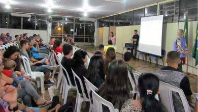 Photo of Jovens lotam auditório da Asbem para oficina de Aprendizagem Comercial