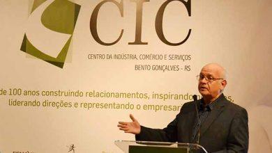 Romildo Bolzan na CIC Bento Gonçalves 390x220 - Romildo Bolzan palestrou na na CIC de Bento Gonçalves