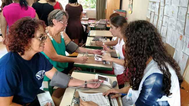 "Sesc Cidadão do Bem - ""Sesc Cidadão do Bem"" leva serviços básicos gratuitos para 14 cidades catarinenses, no sábado (13/04)"