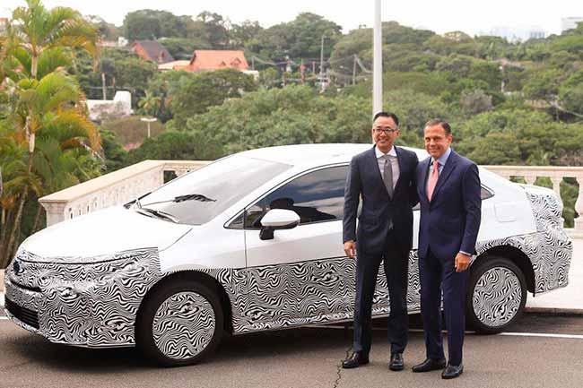 Toyota hibrido - Corolla híbrido flex é lançado no Brasil