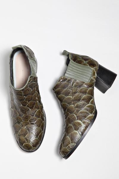 bleque campanha3 - Bléque aposta nas botas de couro de peixe