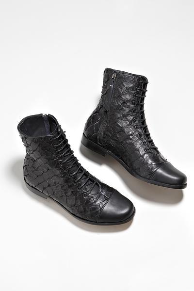 bleque campanha6 - Bléque aposta nas botas de couro de peixe
