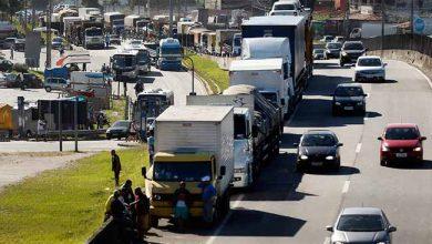 caminhoneiros 390x220 - Entidade diz que cabe ao governo evitar paralisação de caminhoneiros