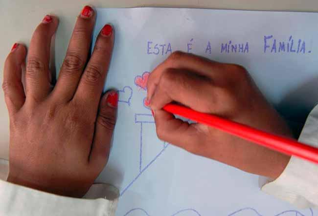 educacao079 - MEC prepara material sobre nova política de alfabetização
