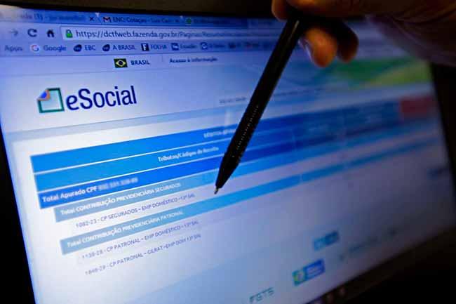 esocial - Empresas do Simples têm até amanhã para inscrever empregado no eSocial