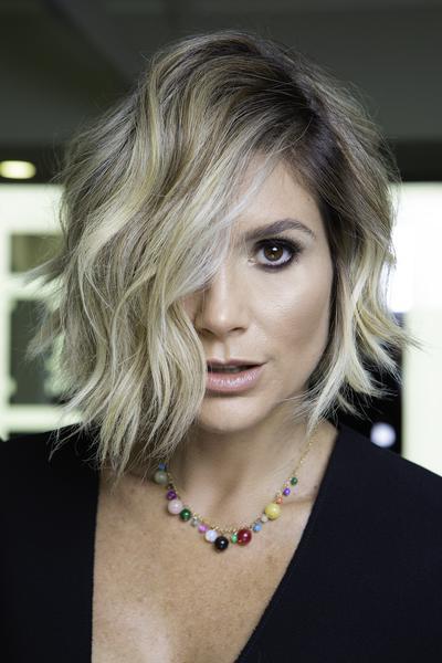 flavia alessandra wella  - Flavia Alessandra está com novo visual: cabelo curto e loiro