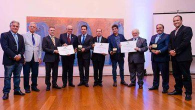 medalha de Porto Alegre 390x220 - UFRGS, PUCRS e Unisinos recebem medalha de Porto Alegre