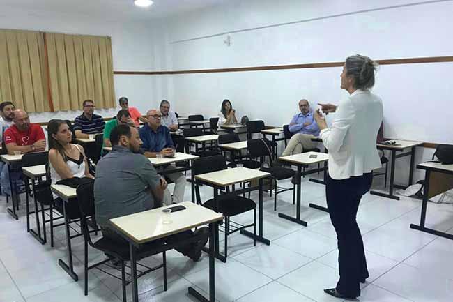 solução para esgoto de Camboriú 1 - Reunião Plenária apresenta proposta de solução para esgoto de Camboriú