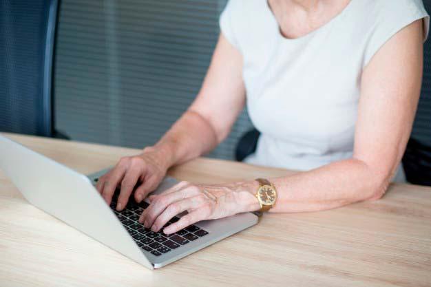 tecn1 - Digitação é uma das principais causas do dedo em gatilho