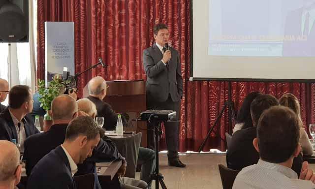 ACI Novo Hamburgo - Presidente da ACI apresenta a história da entidade no Almoço do Mercado Segurador
