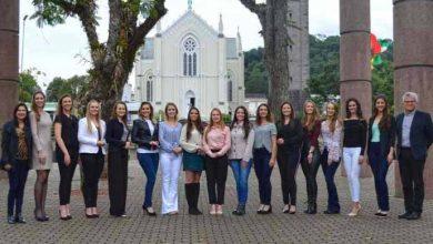 Photo of 15 candidatas disputam o título de rainha e princesas da 14ª FenaVindima