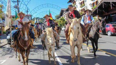 Cavalgada da Serra Gramado 2 390x220 - Cavalgada da Serra reúne 500 participantes na passagem por Gramado