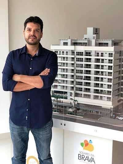 Christian Passos - Construttore Empreendimentos entrega edifício Solares da Brava HomeBeach