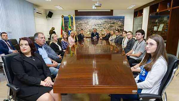 Comdecon de Caxias do Sul 30 - Empossados novos integrantes do Comdecon de Caxias do Sul