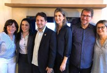 Coordenação do Núcleo com a presidente da Acibalc Maria Pissaia com os vereadores John Lenon e Jane 220x150 - Camboriú ganha núcleo para promover crescimento do município e empresariado