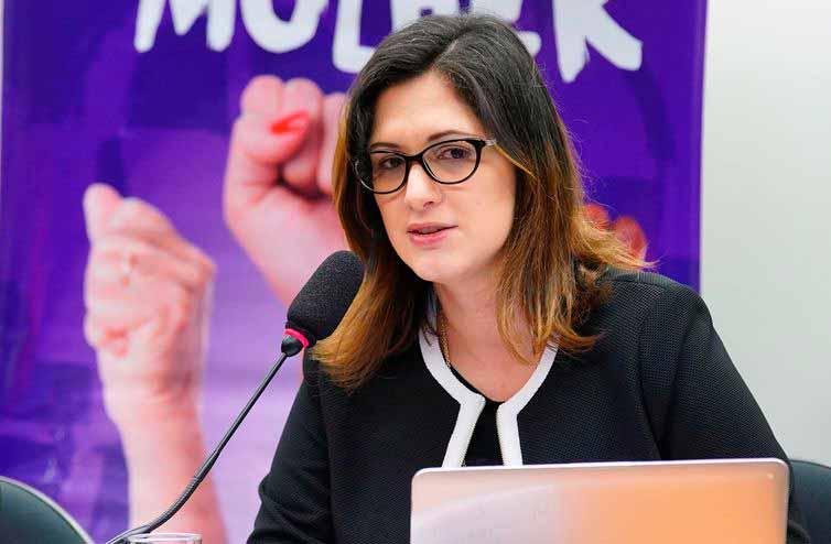 Cristiane Rodrigues Britto - Combate à violência doméstica será prioridade de nova secretária