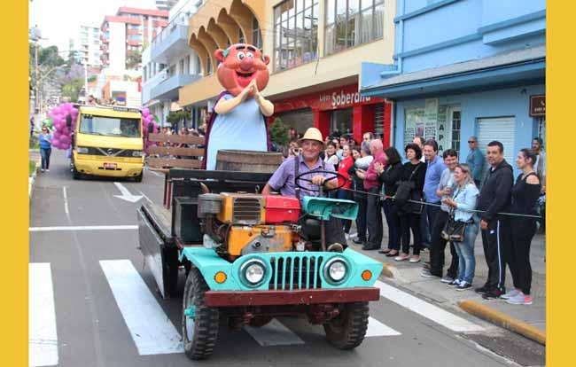 Desfile Cênico em Bento Gonçalves - Bento Gonçalves terá desfile cênico sobre costumes dos imigrantes