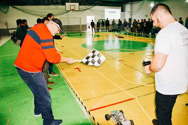 Edição passada do evento - Exposição de carros elétricos em Balneário Camboriú