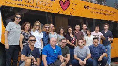 Empresários da região durante a saída do ônibus em Balneário Camboriú 390x220 - Road Show de Balneário Camboriú & Região percorre os estados de São Paulo e Minas Gerais