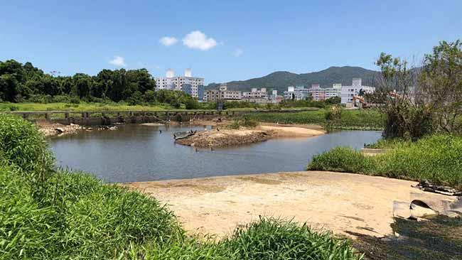 Escassez de água no Rio Camboriú em janeiro deste ano - Reunião plenária da Acibalc apresenta o Projeto do Parque Inundável Multiuso do Rio Camboriú