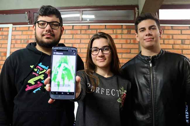 Estudantes gaúchos desenvolvem aplicativo - Estudantes de Porto Alegre desenvolvem aplicativo com dicas sustentáveis
