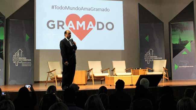 Fórum Gramado de Estudos Turísticos 2 - Prefeito de Gramado palestra sobre a cidade do futuro