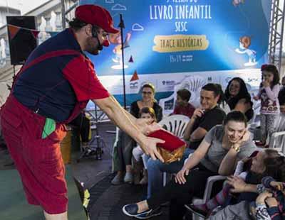 FEIRA DO LIVRO INFANTIL SESC 2 - Feira do Livro Infantil Sesc encerrou no domingo na Via del Vino em Bento Gonçalves