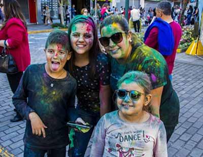 FEIRA DO LIVRO INFANTIL SESC 8 - Feira do Livro Infantil Sesc encerrou no domingo na Via del Vino em Bento Gonçalves