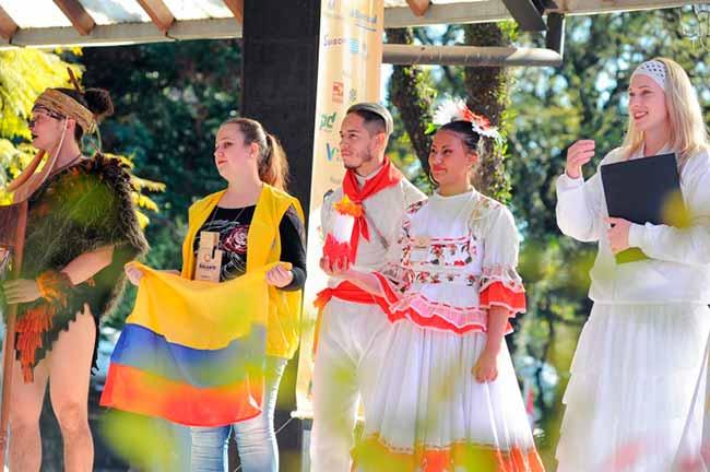 Festival Internacional de Folclore de Nova Petrópolis - Nova Petrópolis: inscrições abertas para praça de alimentação de festival