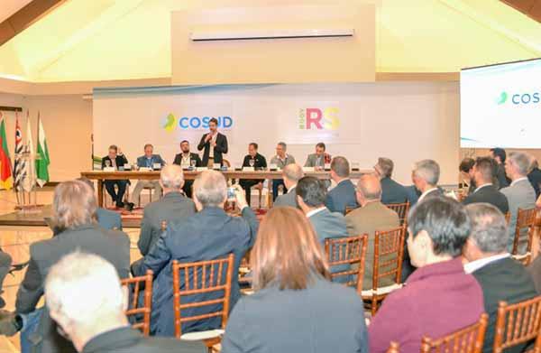 Governadores de sete estados discutem temas nacionais 2 - Governadores de sete estados discutem temas nacionais em Gramado
