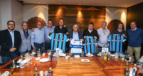 Grêmio e Universidad Católica - Grêmio recepciona diretoria da Universidad Católica com almoço de confraternização