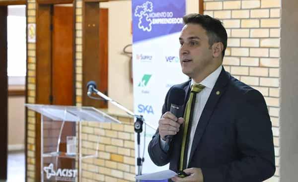 Luciano Zucco 2 - Deputado Luciano Zucco palestrou na Associação Comercial em São Leopoldo