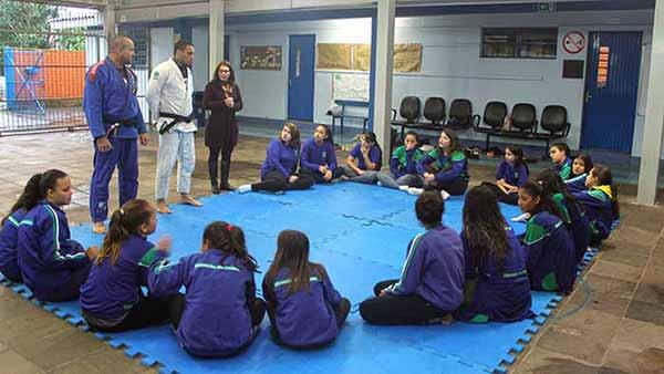 Oficinas de jiu jitsu - Oficinas de jiu-jitsu iniciam em 10 escolas de Passo Fundo