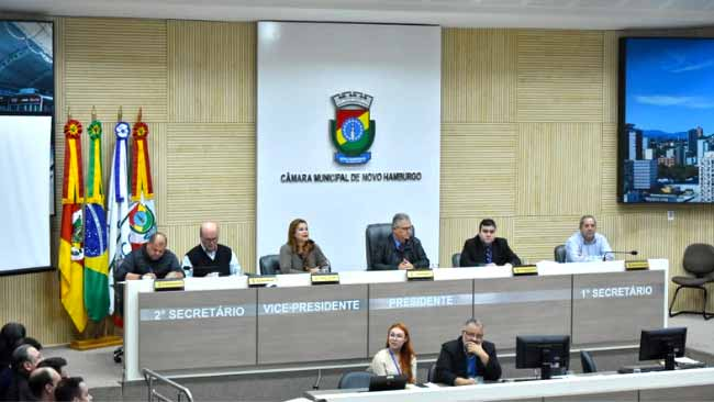 Prefeita Fátima Daudt apresenta balanço - Prefeita Fátima Daudt apresenta balanço de ações da gestão 2018
