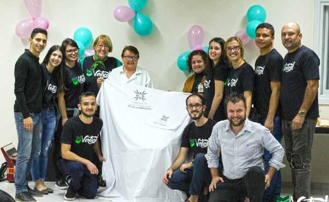 Projeto Vertical NH - Projeto Vertical entrega 400 lençóis e 200 fronhas e faz festa para as mães