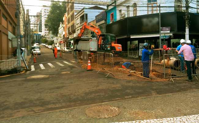 Rua David Canabarro - Obras de revitalização avançam pela Rua David Canabarro em NH