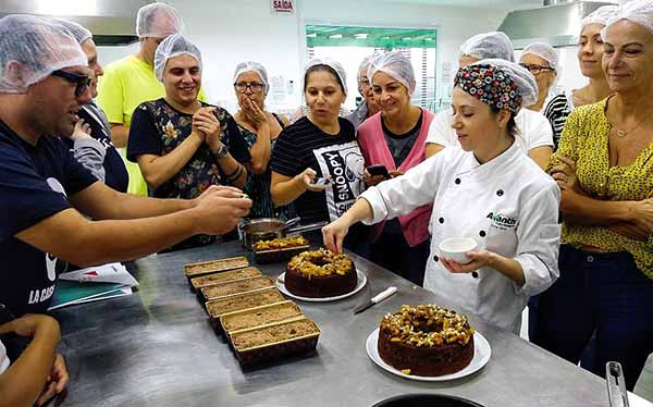 Turma da edição passada - Curso de cucas e bolos caseiros abre nova turma em Balneário Camboriú