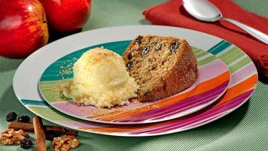 bolo maça 390x220 - Bolo de Casca de Maçã com Biscoito