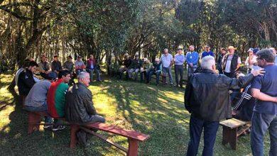 dia de campo em criuva 390x220 - Produtores participam de Dia de Campo em Criúva em Caxias