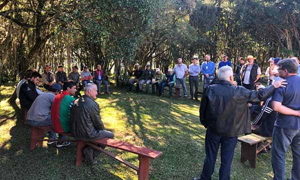 dia de campo em criuva - Produtores participam de Dia de Campo em Criúva em Caxias