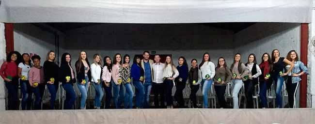 fearg - 21 candidatas disputam a corte da Feira Agrorrural e Turística de Gravataí