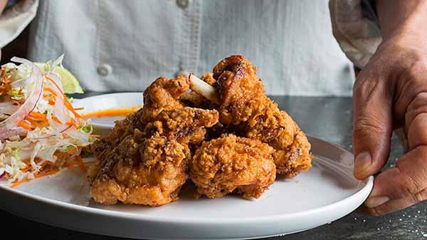 frango frito - Comer sem horário pode aumentar risco de morte por ataque cardíaco