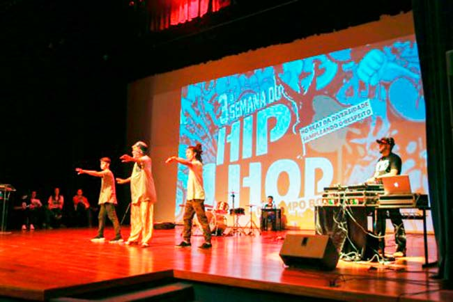 hiphopcampobom - Semana do Hip-Hop lota teatro do CEI em Campo Bom